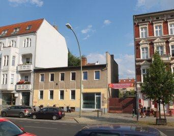 Wo in der Wollankstraße früher Reifen verkauft wurden, sollen demnächst Wohnhäuser entstehen.