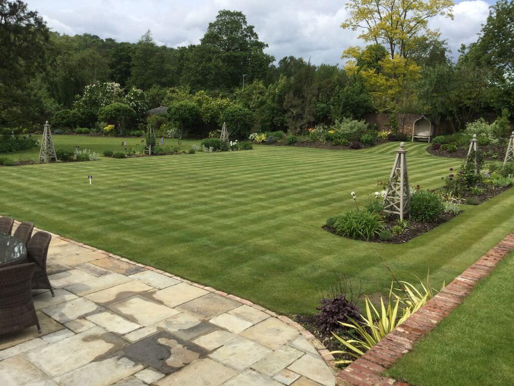 Large Garden Design Floral Hardy London Uk