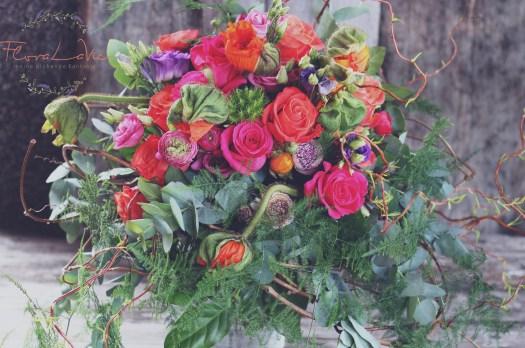 Bunter Blumenstrauß mit viel Liebe zum Detail