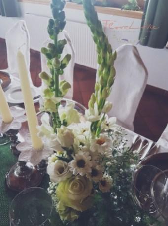 Einzelne Tischdekoration in grün-weiß
