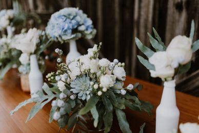 Blumenschmuck: FloraLaVie Trachtencouture: Erbstücke Bilder: Sophie Schaller Fotografie