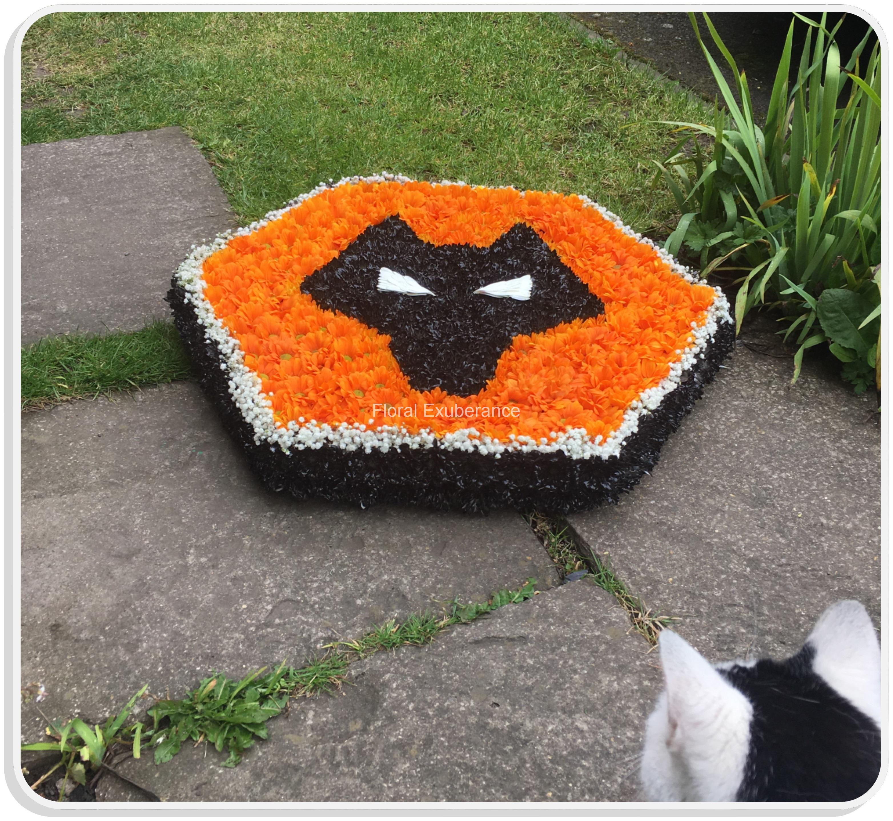 Wolves funeral flower wreath tribute floral exuberance wolves funeral flower wreath tribute izmirmasajfo