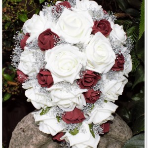 ivory and burgandy rose bouquet