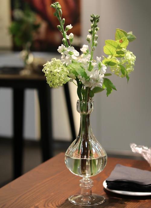 Poseur table vases