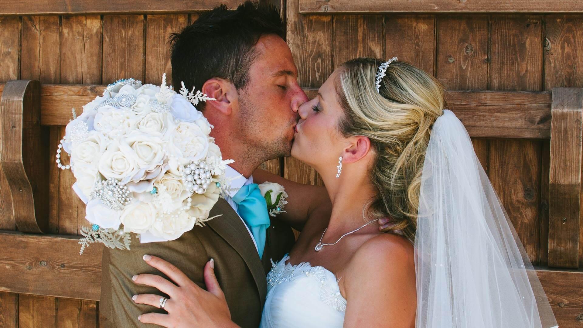 Floral Lounge Rebecca & Anthony Wedding-003