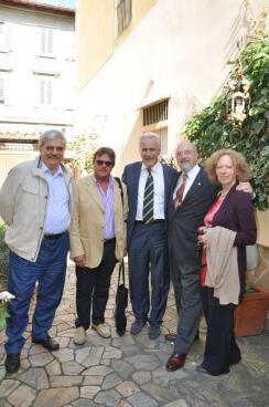 Firma con saluto consigliere regionale della Toscana, Eugenio Giani
