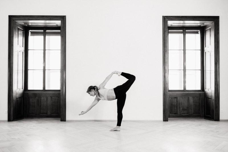 yoga-schwarzweiss