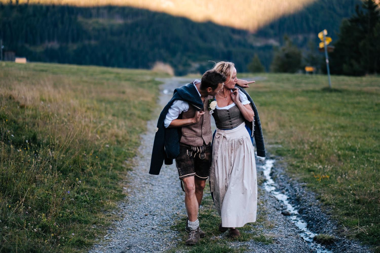 Anne Georg After Wedding Shooting Auf Der Alm Berghochzeit