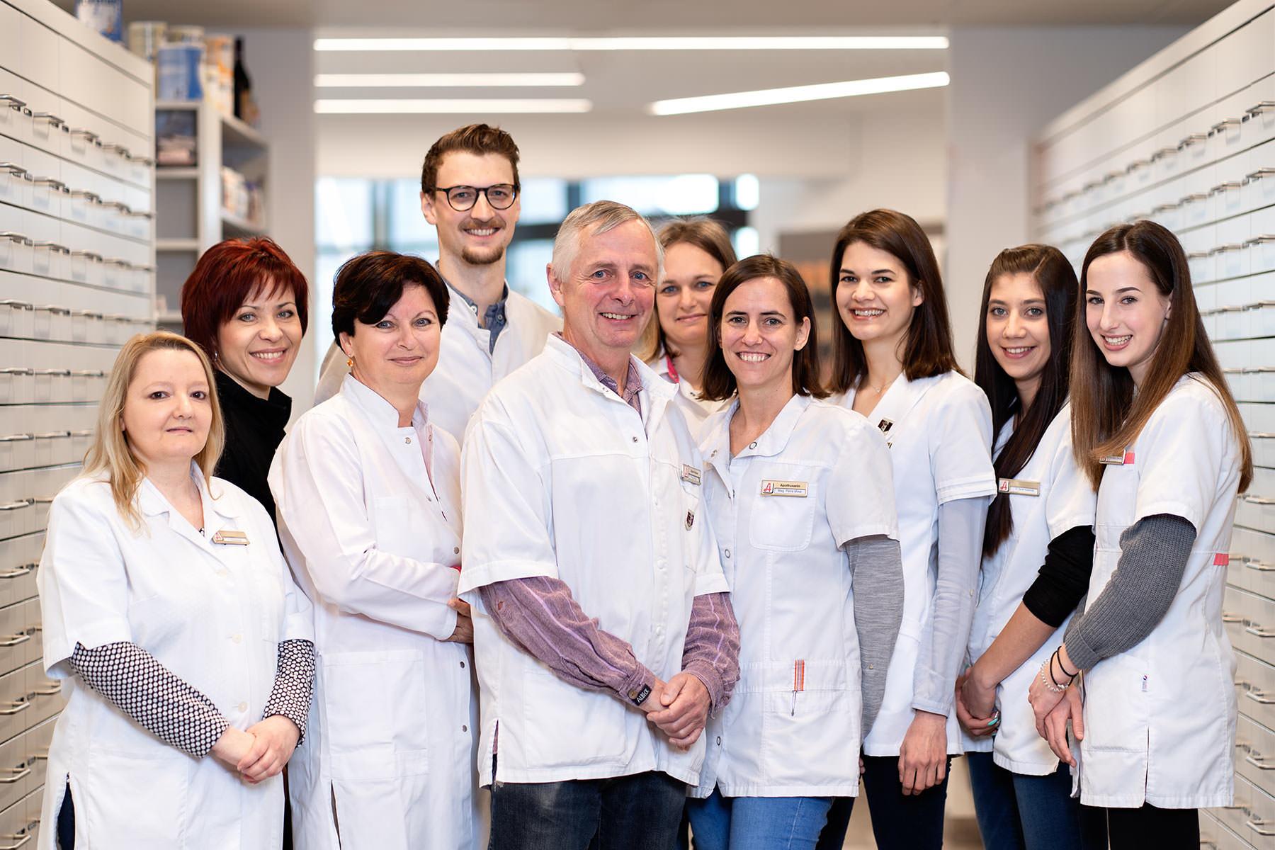 teamfoto-mitarbeiterporträts-klagenfurt-apotheke