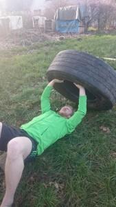 Bankdrücken mit Reifen