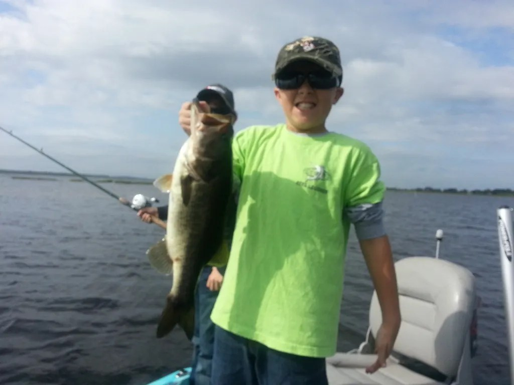 Southall family fishes lake toho orlando bass fishing guides for Bass fishing orlando