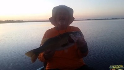 Flipping Baits Along The Outside Hydrilla