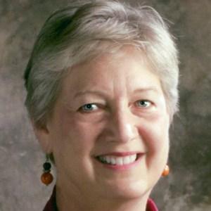 Cindy Bartosek headshot bio