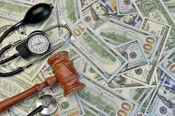 How Much Does a Tampa Medical Malpractice Case Cost