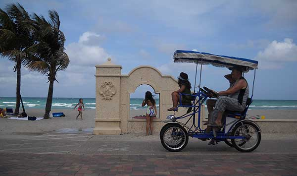 Florida bike trails: A favorite ocean-front bike ride is along Hollywood Beach's Broadwalk