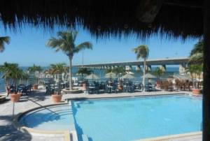 Sunset Grille and Raw Bar pool bar in Marathon