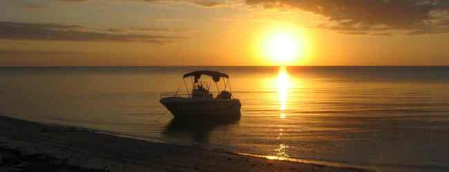 Boat camping in the Ten Thousand Islands