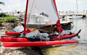 Jim Czarnowski cleans up his Hobie Mirage Adventure Island