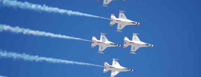 USAF Thunderbirds (Photo by photobunny via Flickr)