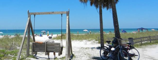 Honeymoon Island: A natural beach with comforts