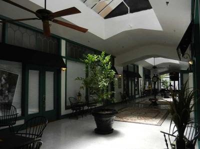 Arcade, historic Hotel Jacaranda in Avon Park