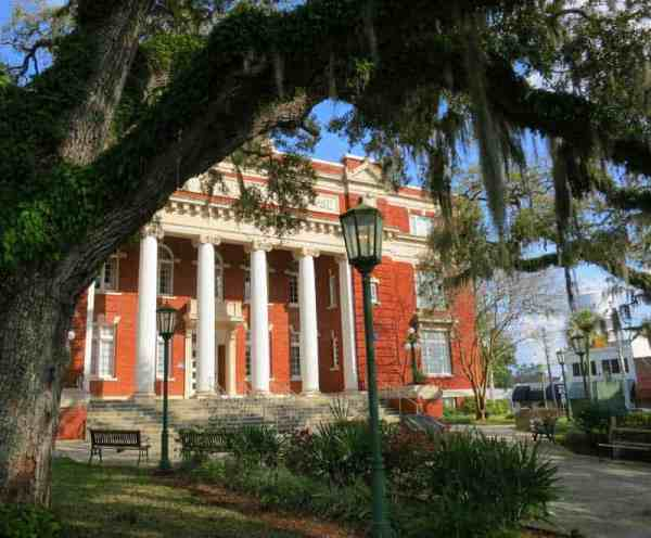 The 1913 Hernando County Courthouse in Brooksville. (Photo by Bonnie Gross)