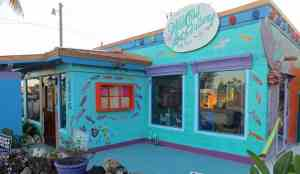 Wild Child Gallery : One of the art galleries that gives Matlacha color.