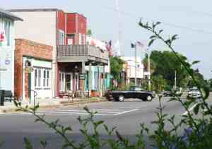 Apalachicola's downtown is easy to explore on foot and full of historic buildings. (Photo: Bonnie Gross)