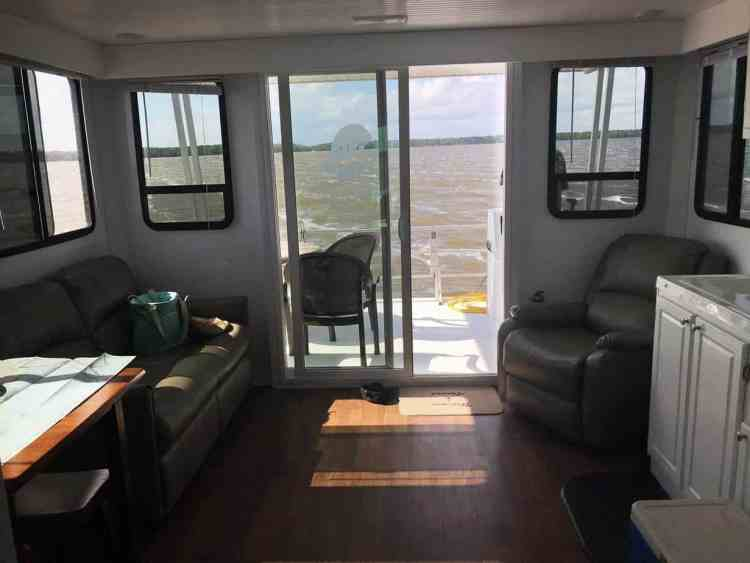 View through the living/dining/kitchen area of the houseboat in Everglades National Park (Photo: Bonnie Gross)