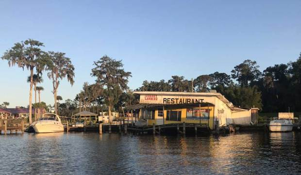 A defunct restaurant along the St. Johns River in Welaka; probably hurricane damage. (Photo: Bonnie Gross)