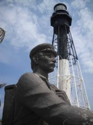 Memorial to barefoot mailman at Hillsboro Lighthouse