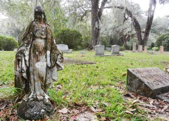 Micanopy-cemetery-scene