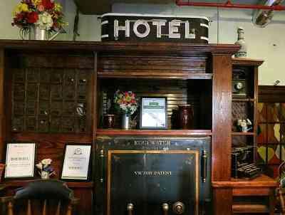 edgewater-hotel-lobby