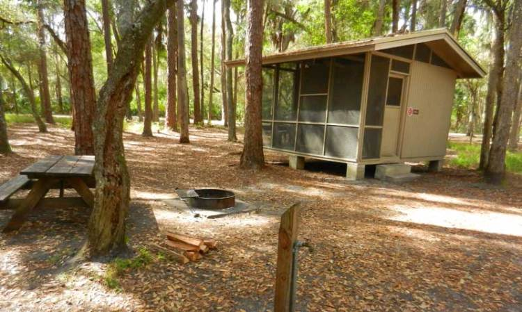 Rustic cabins at Hontoon State Park provide a more camping-like experience
