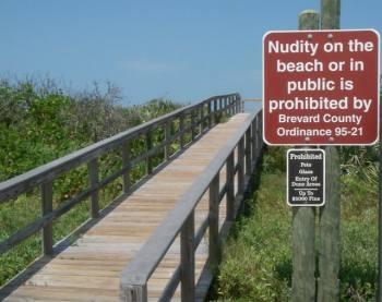 Nude sunbathing prohibited sign at Playalinda beach
