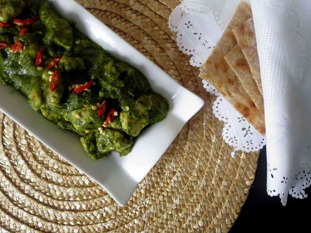Haray Masalay ki Murghi - Chicken in a Spicy Cilantro Sauce