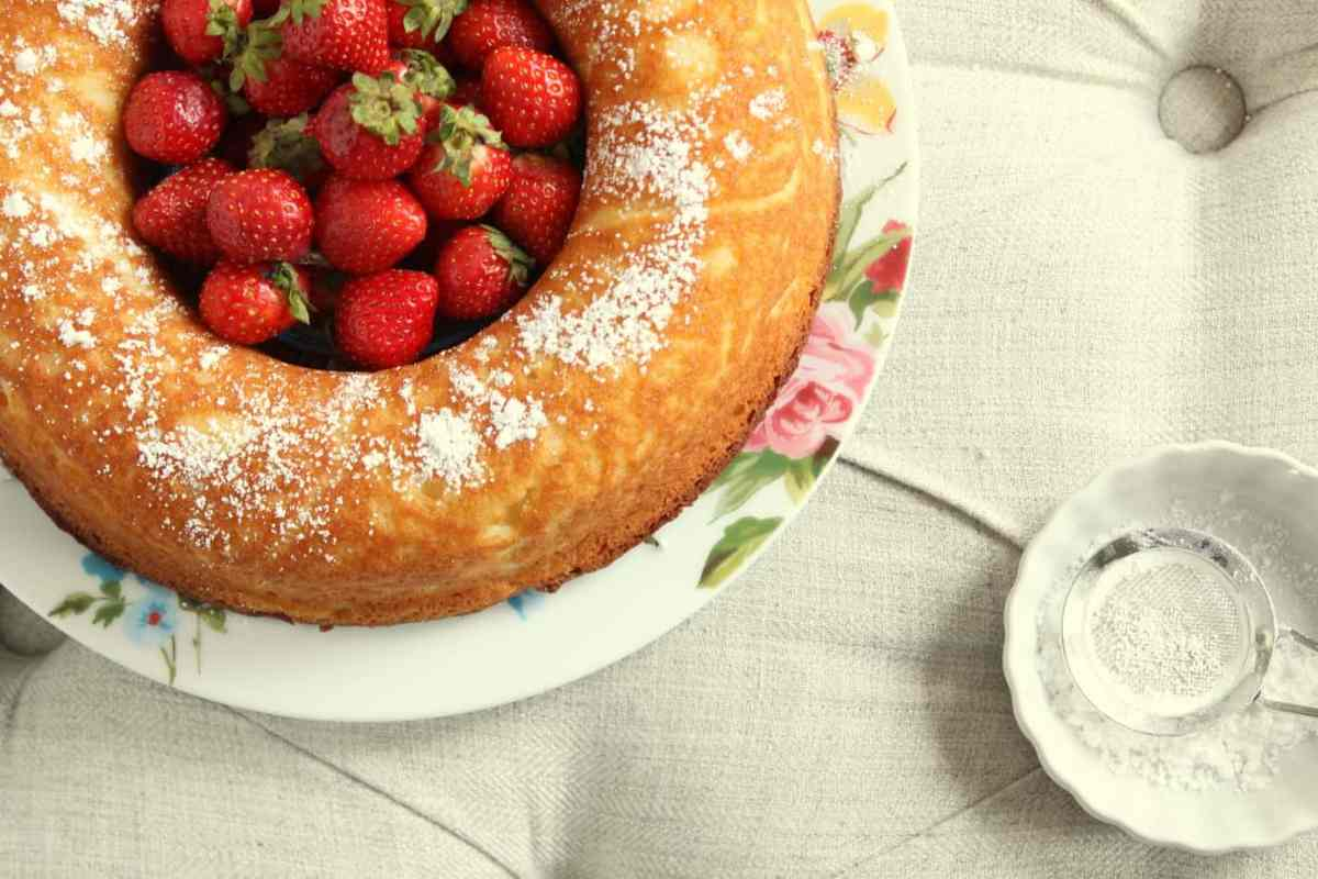 French Yogurt Cake - a Tender Everyday Cake