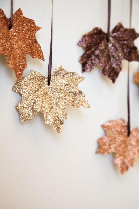 feuilles paillettes