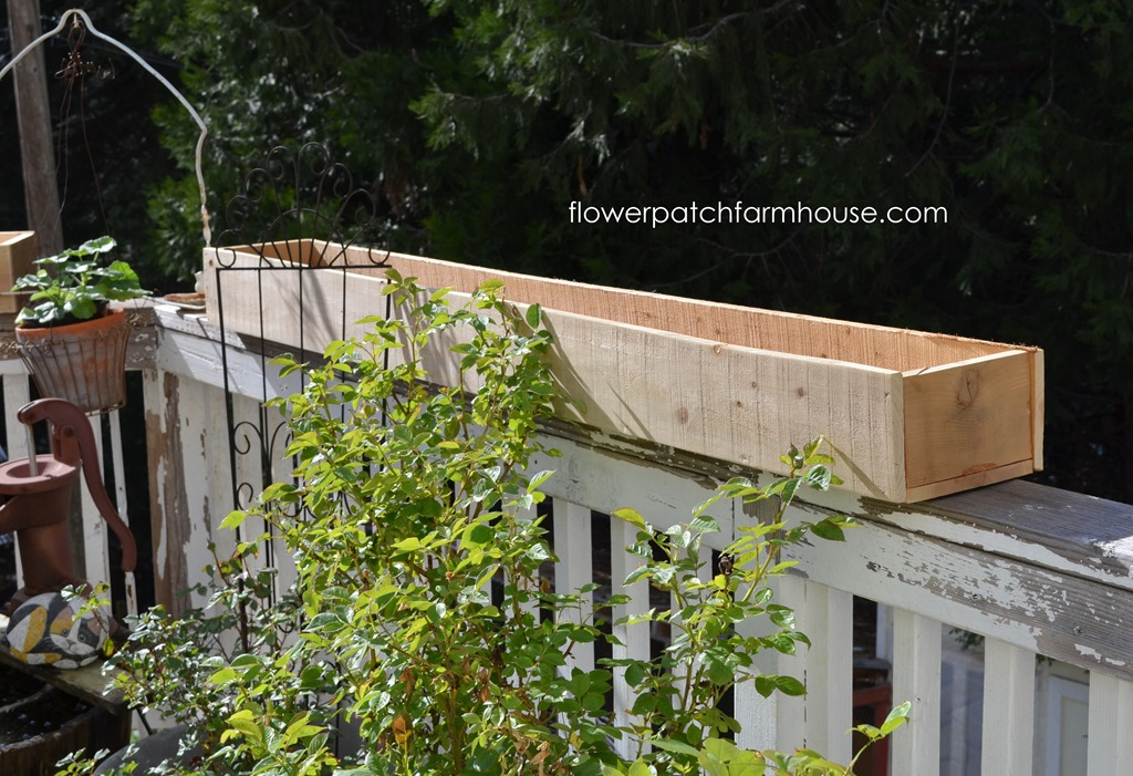 Cheap and Easy Cedar Fence Board Planters - Flower Patch ... on post planters home depot, patio planters home depot, brick planters home depot, plant pots home depot, vertical garden home depot, window planters home depot, trellis planters home depot,