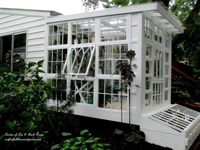 http://ourfairfieldhomeandgarden.com/building-a-repurposed-windows-greenhouse/