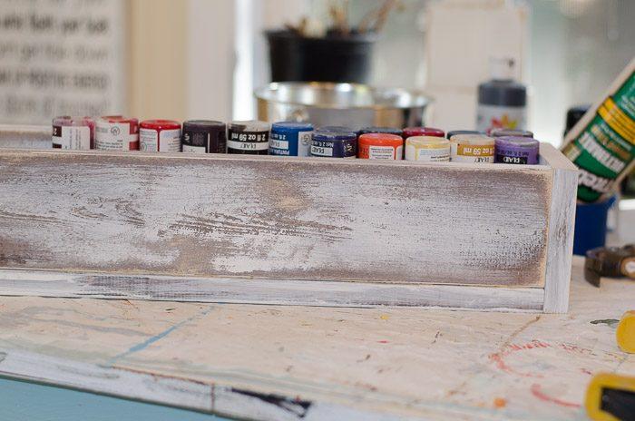 How to build a DIY rustic vintage crate, FlowerPatchFarmhouse.com