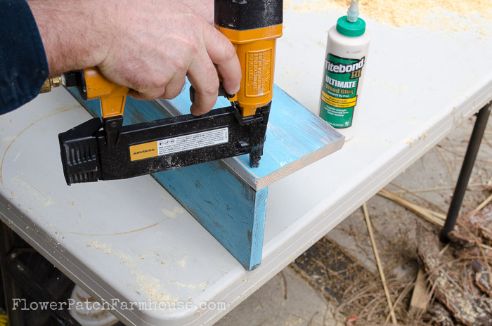 Build a Rustic Toolbox DIY, FlowerPatchFarmhouse.com