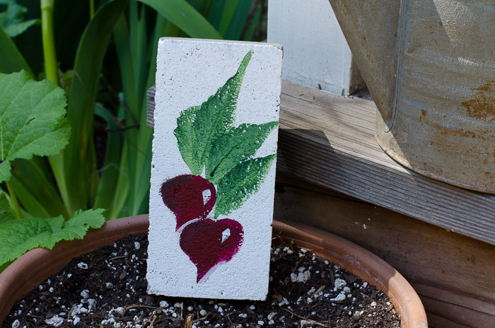 How to Paint a Radish, one stroke at a time, FlowerPatchFarmhouse.com