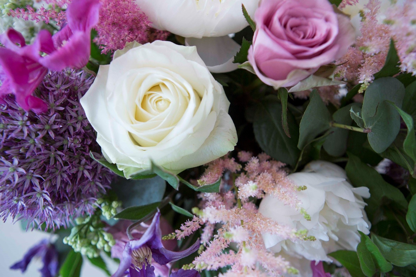Happy New Year! – Flowers Oman – Flowers & Gifts in Muscat