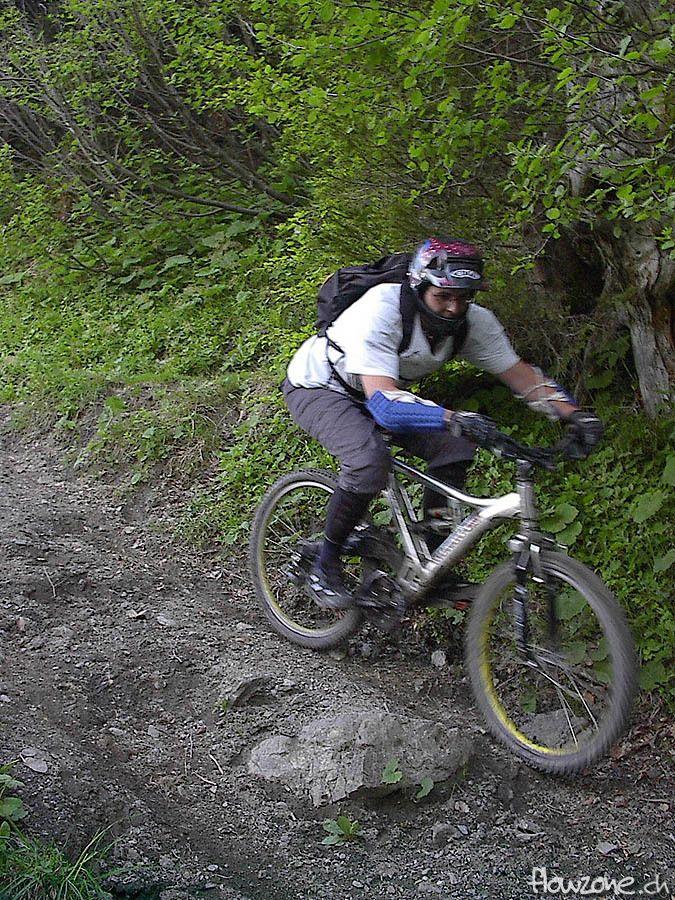 Downhill um die Jahrtausendwende - Schlechte Bikes, schlechte Ausrüstung, schlechte Fahrtechnik