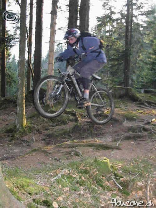 serki_trail_jump2