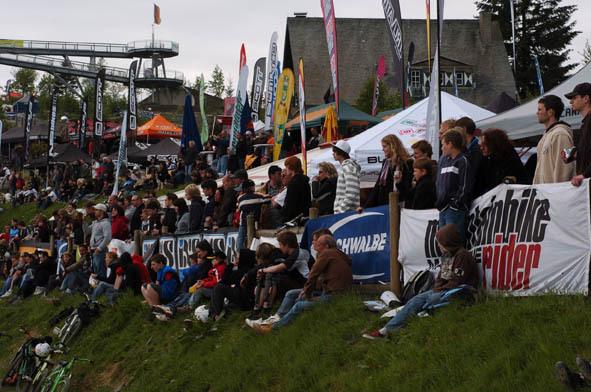 ixs-dirt-masters-2008-winterberg-crowd.jpg