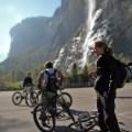 Beweglichkeit, Vielseitigkeit. Funktionalität, Design.. ein Biker hat grosse Ansprüche an seine Kleidung