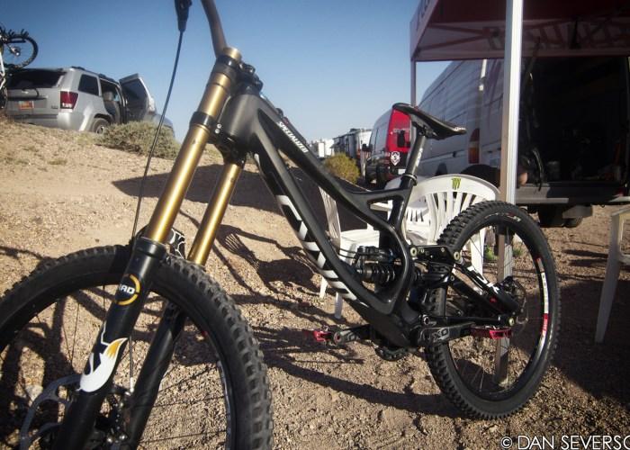 aaron-gwin-specialized-demo-2013-bike