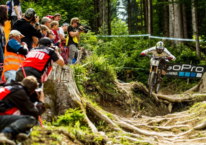 uci downhill worldcup 2014